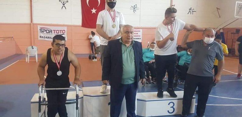 Tebrikler, Koca Yürekli Ahmet…